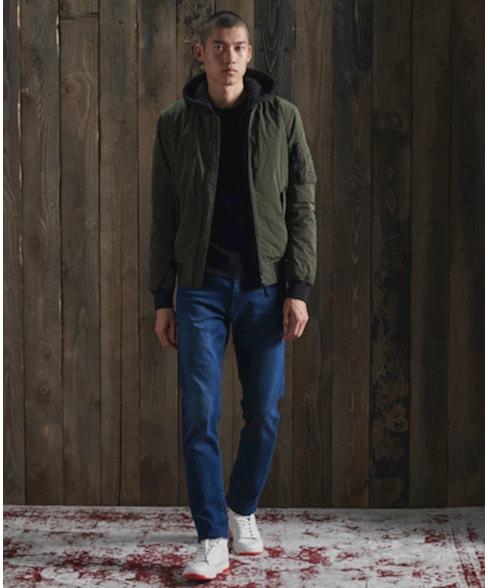 M7010115A | Tailored jeans met rechte pijpen