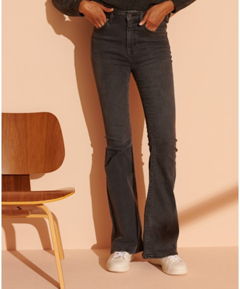 W7010481A | Flared jeans