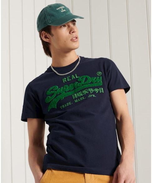 M1011005A | Superdry Standaardgewicht chenille T-shirt met Vintage Logo