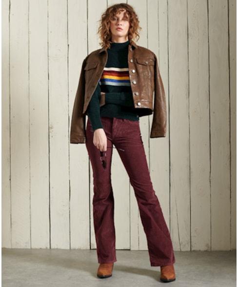 W7010445A | Slimfit corduroy jeans met middelhoge taille en wijduitlopende pijpen
